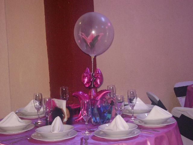 Como decorar centros de mesas con globos - Como decorar un centro de mesa ...